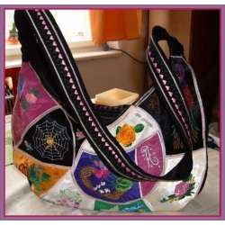 Vyšívaná kabelka